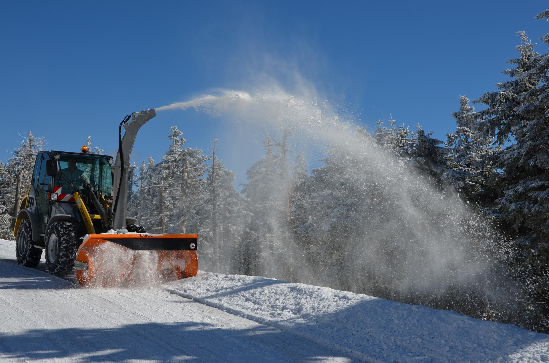 snow-plough-1612476_1920.jpg